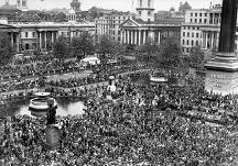 Crowds in Trafalgar Square, May 1945